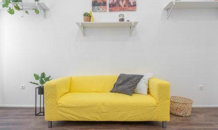 Modern minimalis dengan warna kuning